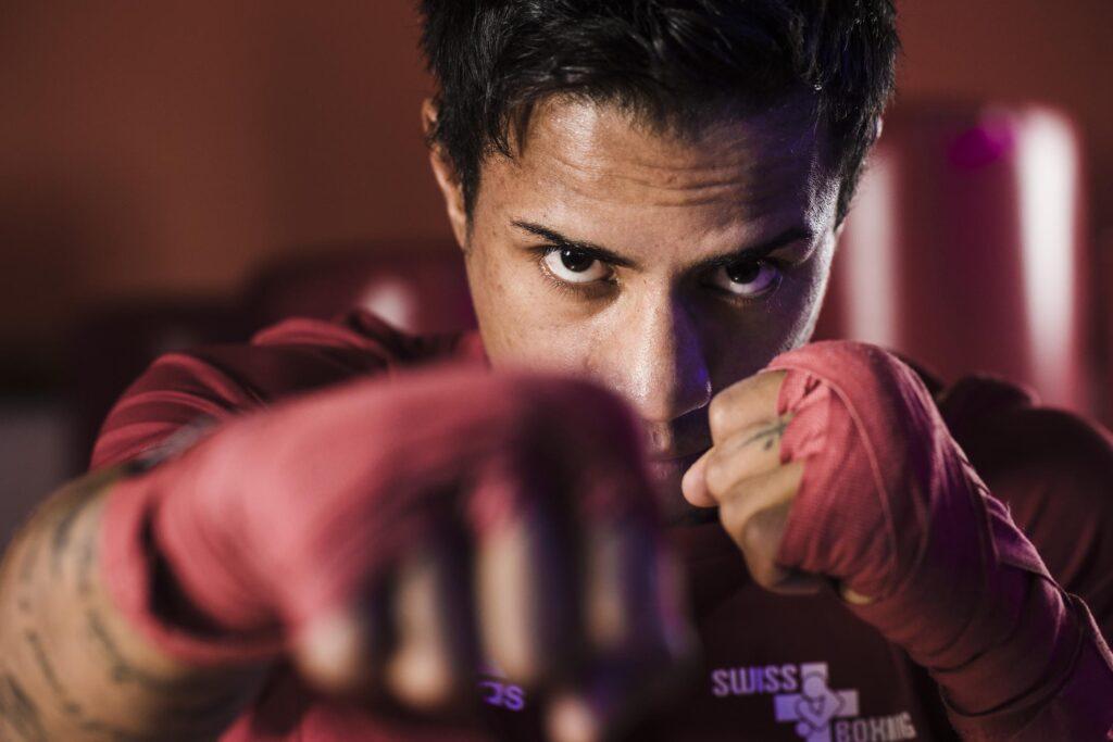 Sant'Antonino: Tiago Pugno Swiss boxing. Nella foto il boxeur Tiago Pugno, a sinistra, atleta nei quadri della nazionale Swiss Boxing, durante una sessione di allenamento all'Event Fit. (© Ti-Press / Alessandro Crinari).